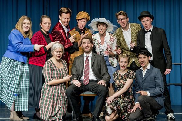 """""""Zum Sterben schön"""", Musical vom Trio Theater Ennepetal. Regie: Robin Schmale, musiklaische Leitung. Denny Pflanz. Foto: AWi"""