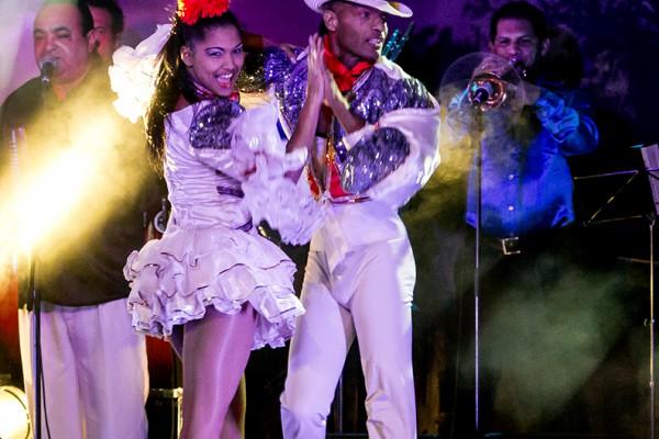 "Die kubanische Show ""Pasion de Buena Vista"" gebeisterte das Publikum im Ennepetaler Leo Theater. Foto: Andreas Winkelsträter"