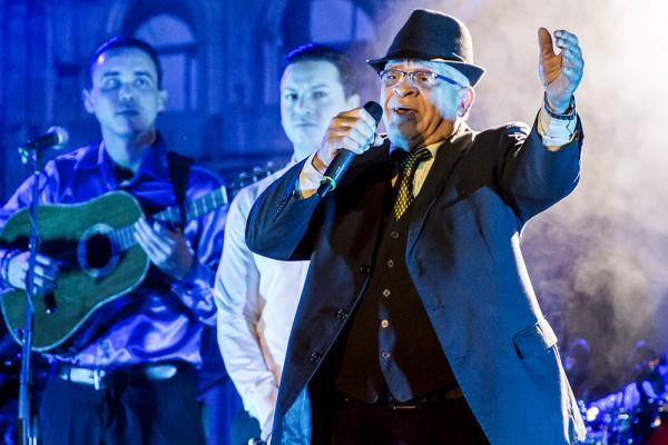 "Die kubanische Show ""Pasion de Buena Vista"" begeisterte das Publikum im Ennepetaler Leo Theater. Foto: Andreas Winkelsträter"