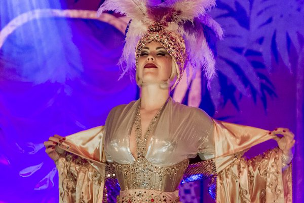 """The Firebirds Burlesque SHow"" am 30. Apirl 2016 im Leo Theater. Foto: AWi"