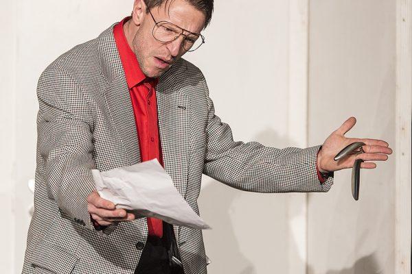 """""""Der nackte WahnsinN"""" im LEO Theater, Premiere am 17. Februar 2017, 20 Uhr. Der nackte Wahnsinn mit Marc Neumeister, Marika Kotulla, Peter Hartwig, Denise Hausmann, Petra Reimann, Peter Hartwig, Luc Packlidat, Tim Müller und Max Meinecke. Foto: AWi"""