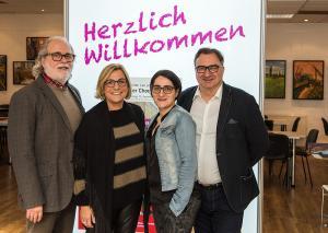 Nun ist der Vorstand komplett: (.l.) Bernd Oesterling (1. Vorsitzender), Gaby Roland (Kassenwartin), Dilek Göbel (Schriftführerin) und Rolf Göbel (2. Vorsitzender). Foto: LEO Theater